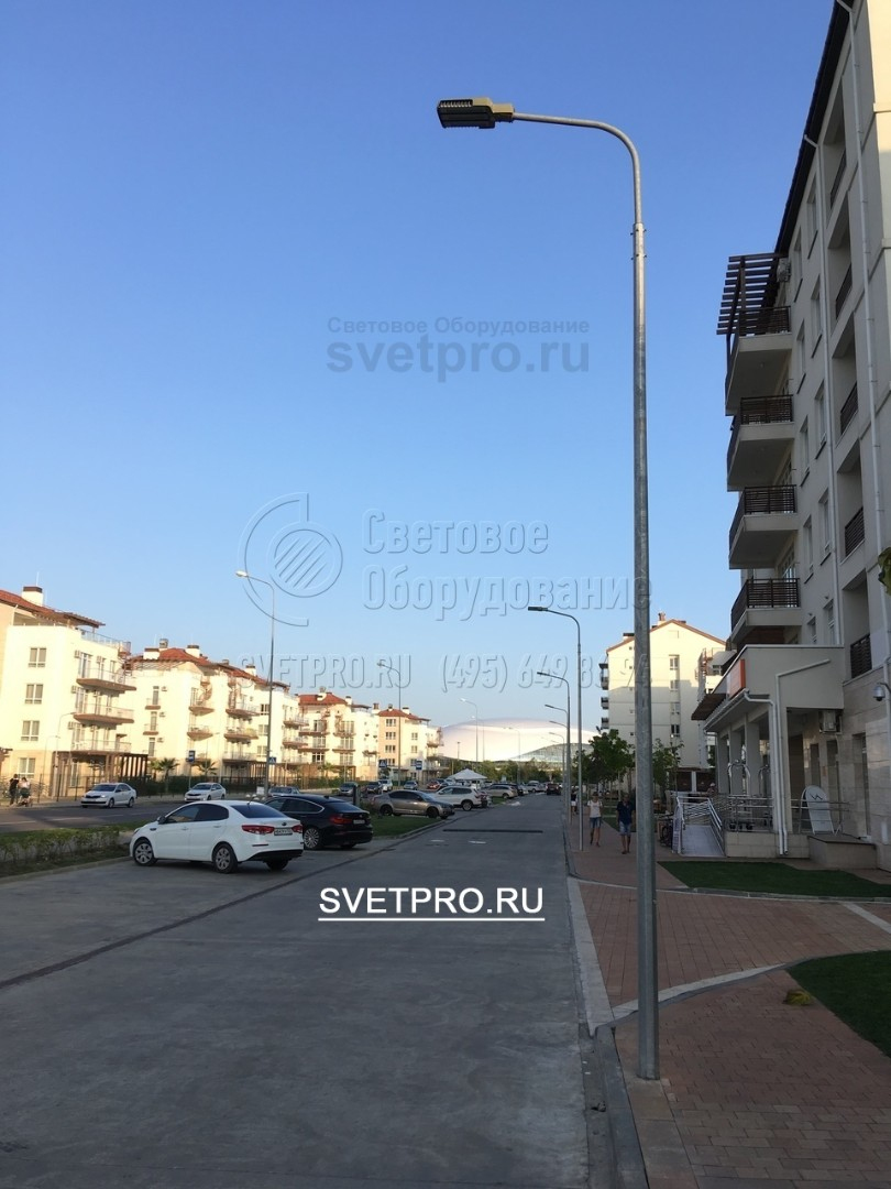 Установка опор ОГК-4 г. Сочи, освещение придомовой территории.