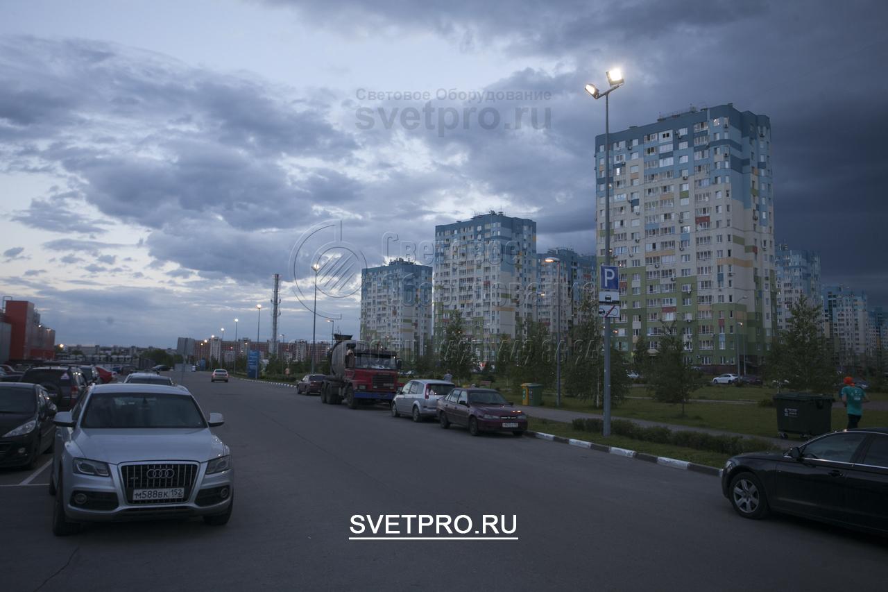 Освещение опорами ОГК-6 придомовой парковки и проезжей части в г. Нижний Новгород Автозаводский р-он.