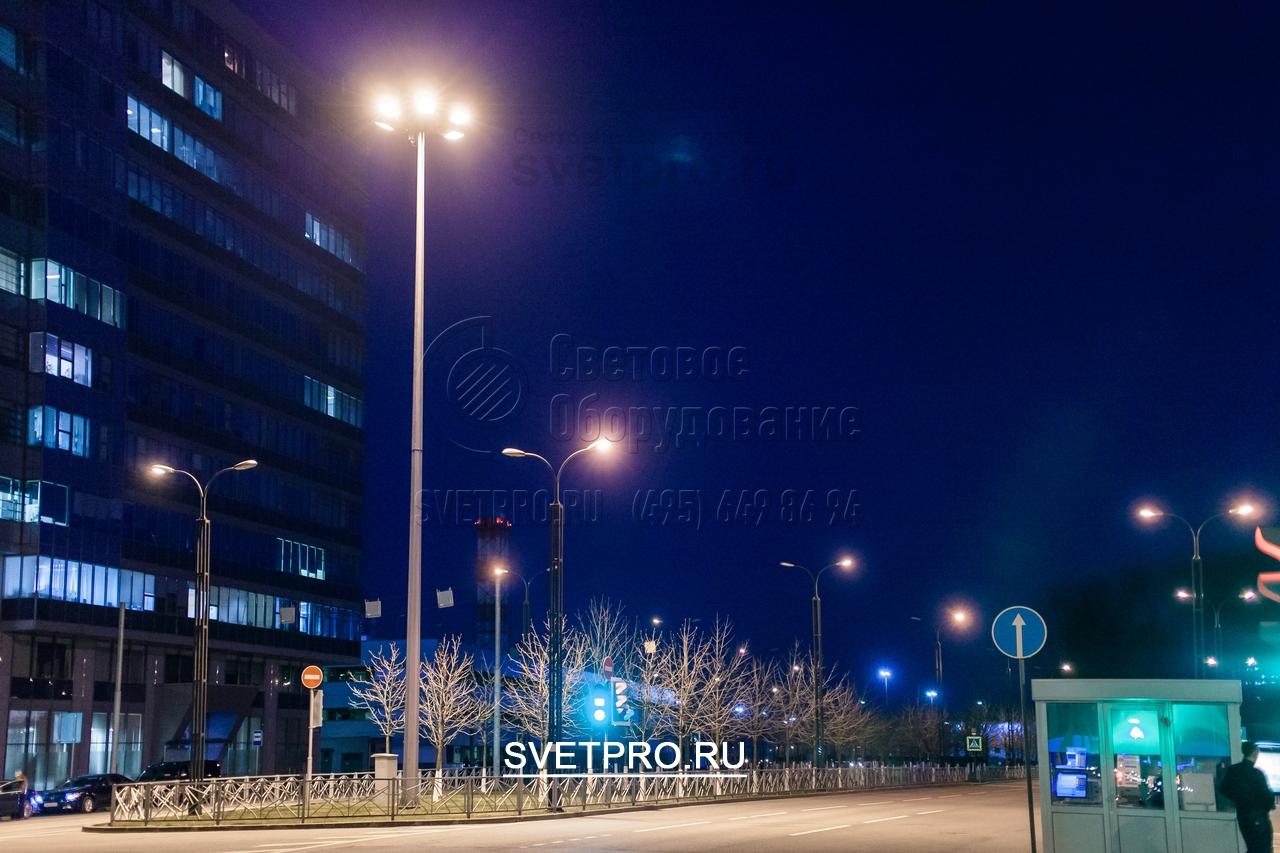 Мачта ВМО удобна в обслуживании осветительных приборов на высоте от уровня земли 1,5 м.
