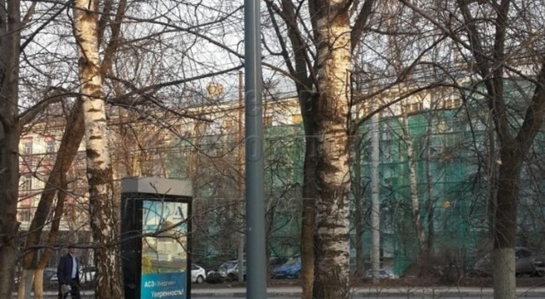 Освещение парка в г. Балашиха опорами НПК-5,0/6,25-02-ц. л. с установкой торшерного светильника.