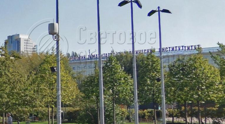 Подсветка зоны отдыха в сквере перед Московским Гуманитарно‐экономическим институтом.