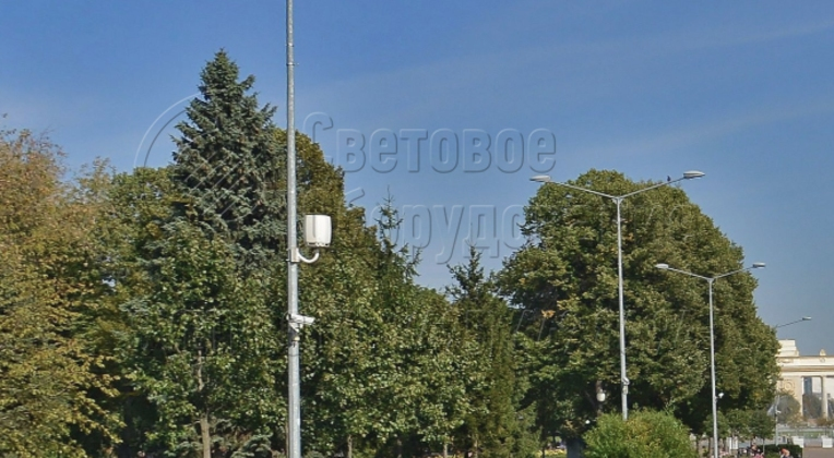 Осветительная опора для размещения WI‐FI антенн и камер видеонаблюдения.