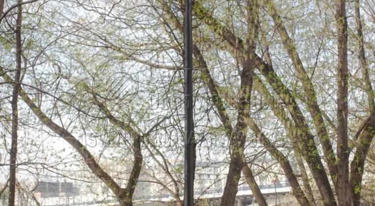 Опоры НФК-5,0-02-ц, г. Ярославль. Опоры дополнительно могут приобрести декоративное покрытие при окраске порошковой краской.