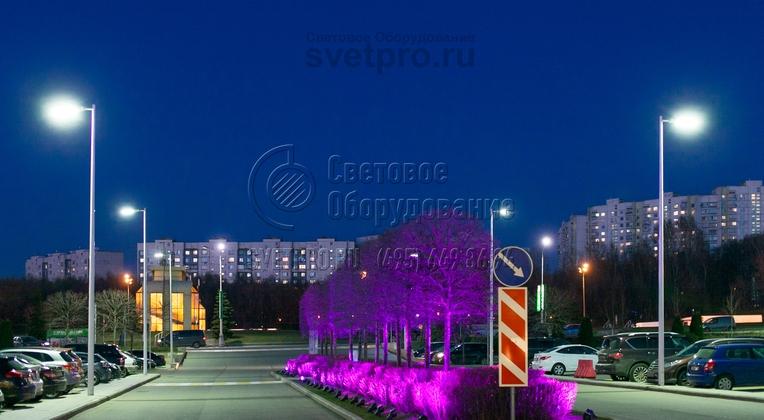 Освещение автостоянки опорами НФК-10,0-02-ц в г. Москва.