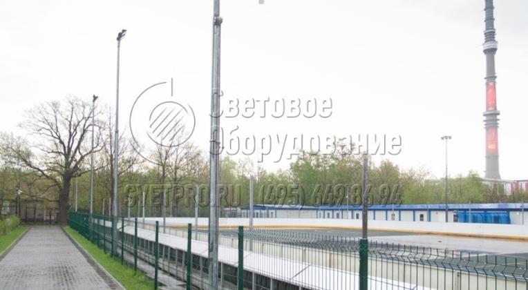 Освещение хоккейной площадки в парке Останкино.