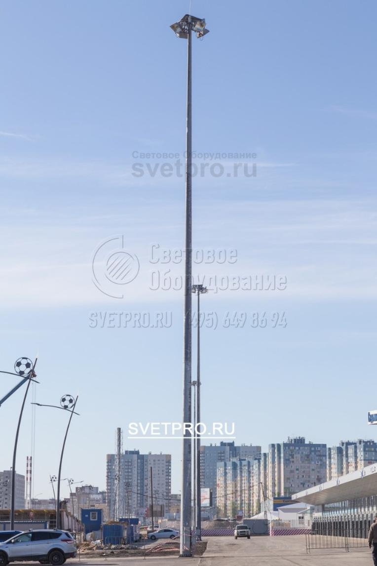 Подъём мобильной рамы с осветительными приборами производят только до 34 м, дальнейший подъём до крайнего верхнего положения нужно производить только рукояткой.